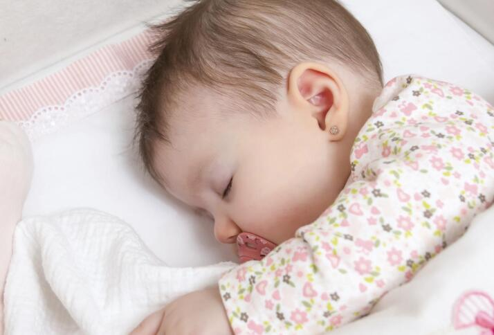 Is It OK for Babies to Sleep on Their Side