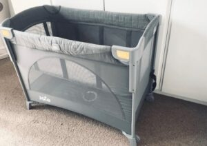 cheap travel cot with bassinet
